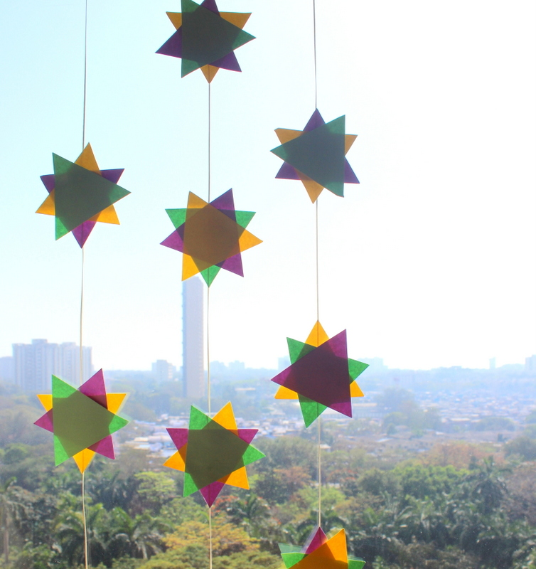 what a polygon garland looks like on a window