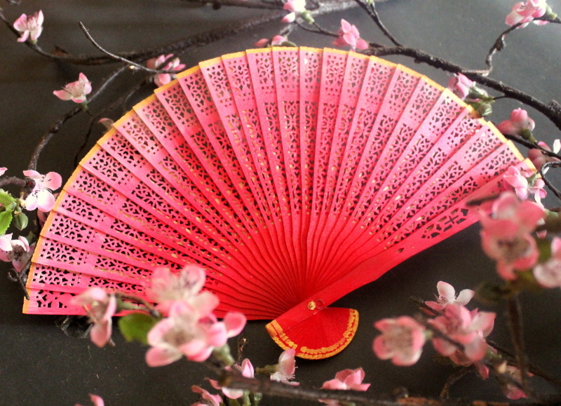 hand painted crafts, diy for pink fan in different shades, for kids and adults