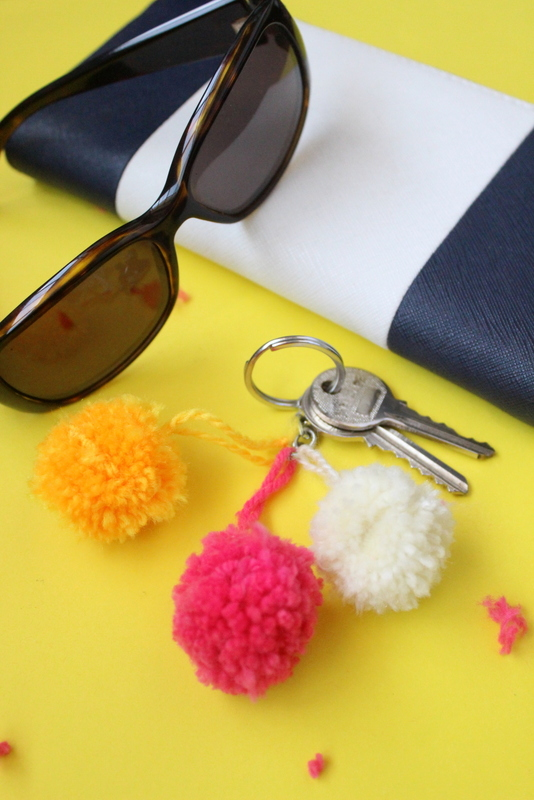 Pom pom keychains, organisation, DIY, handmade, crafts, art and crafts, crafts for kids
