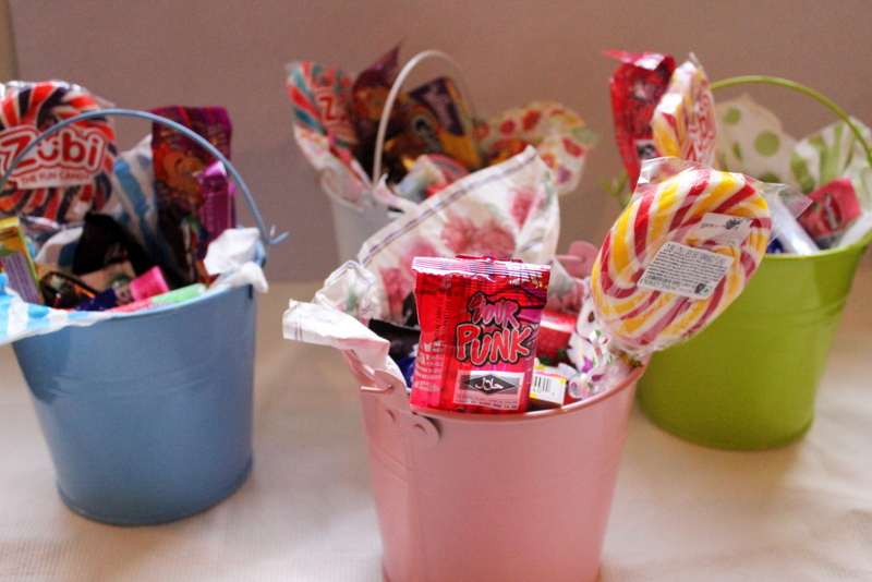 How to make a candy basket?