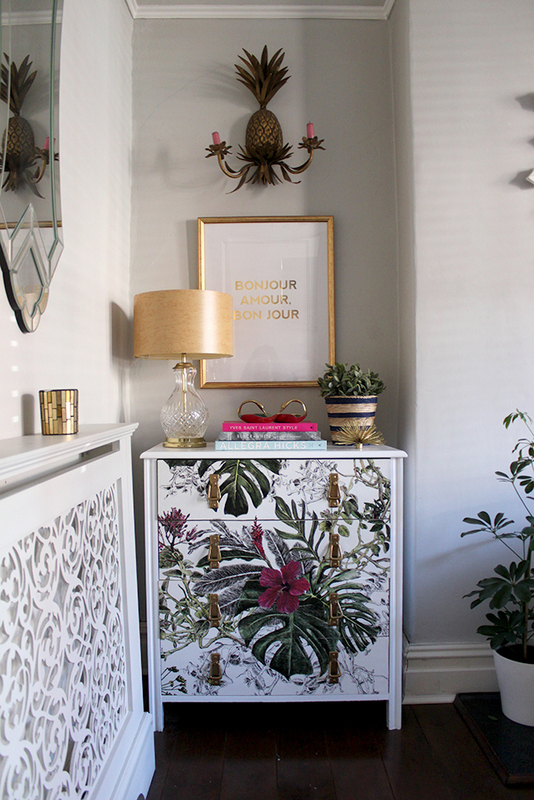 wall paper, DIY, chest of drawers, Handmade, hand painted, gift ideas, DIY ideas, DIY projects, tutorials, customised, crafts, art and crafts