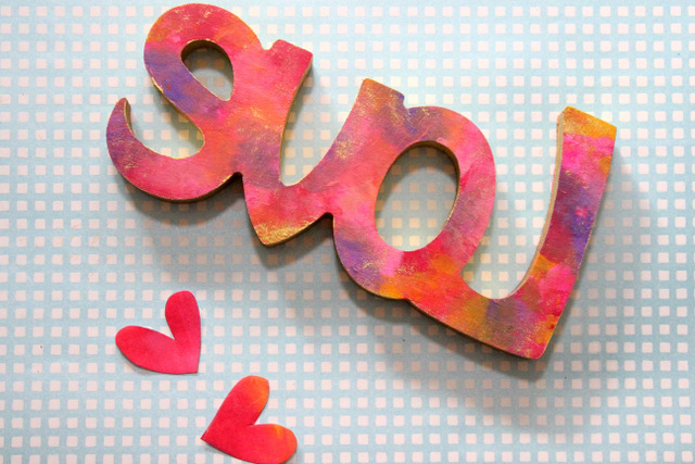 How to make a wooden desk/wall piece LOVE Sign in rough pink, orange & gold brushstrokes & finger painting! Pink Sign of Love - The Craftables