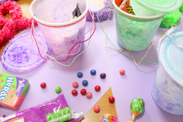 DIY, crafts, crafts for kids, marbled, rubbing alcohol, party, parry planning, candy buckets, candy, takeaway boxes, takeaway, handmade, colourful,  party ideas,  gift wrap, recycled, upcycled,  the craftables,  cute DIY, DIY tutorials