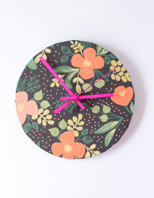 How to make clocks, personalised, handmade, DIY, crafts, crafts for kids, decor, room decor, blogs, curated, how to make DIY clocks, handmade,  wrapping paper clock, Hello Natural