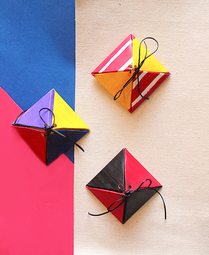 10 minute DIY Tutorial on how to make customised triangle boxes using our free printable