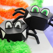 Halloween: DIY Spider Candy Boxes!