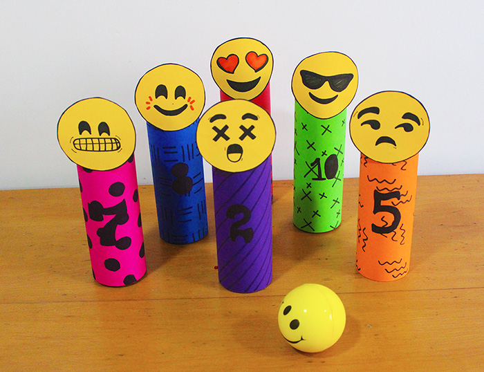 How to DIY a set of Emoji Skittles / Bowling Pins in simple steps, without spending too much. Tutorial is in the link.