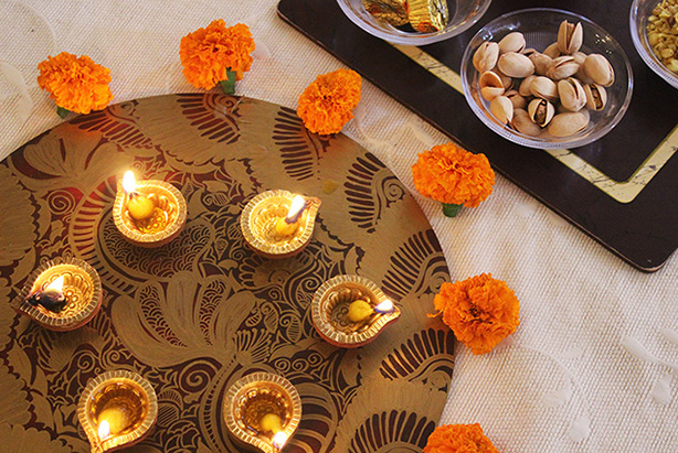 Diwali trays inspired by Mehendi / Henna for Diwali Gifting and Decor - The Craftables