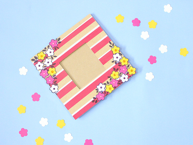 How to make a masking punch art photo frame by The Craftables
