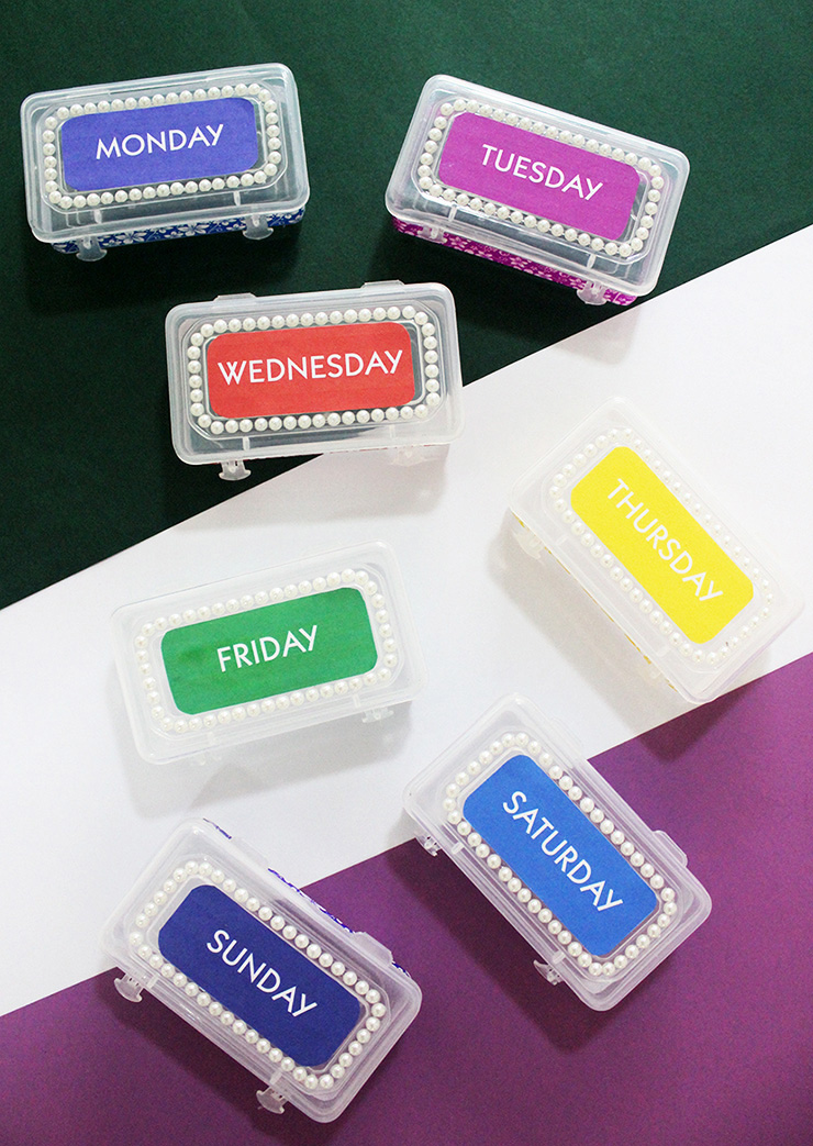 weekly pill boxes set