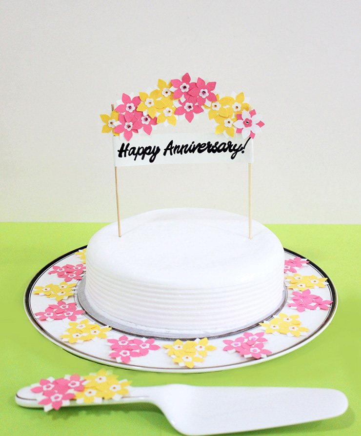 Happy Anniversary Cake decoration