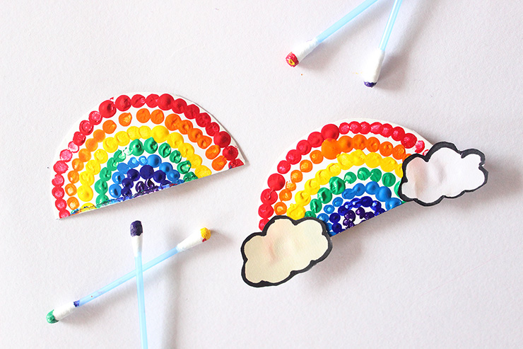 Rainbow earbud magnet and tag for kids
