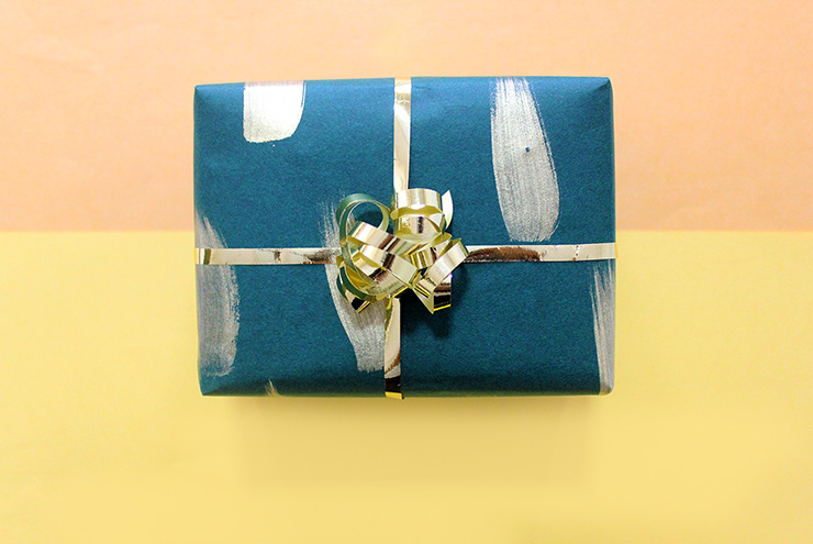 10 minute gift wrap idea