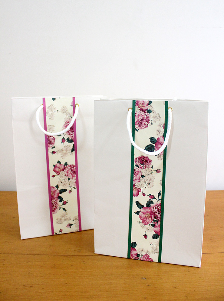 papercraft gift bags