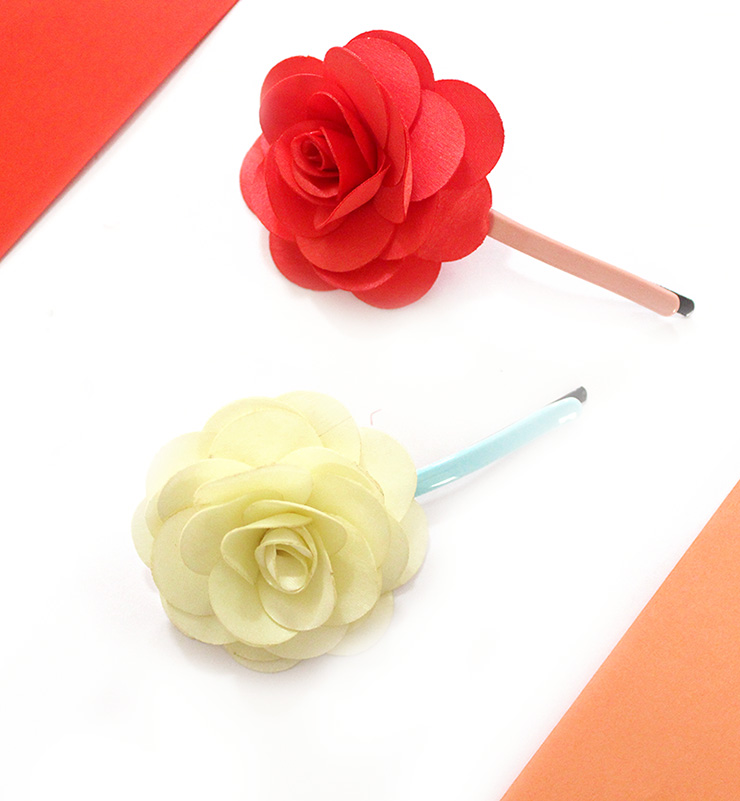 How to make flower hair clips in 10 mins the craftables flower hair clips mightylinksfo