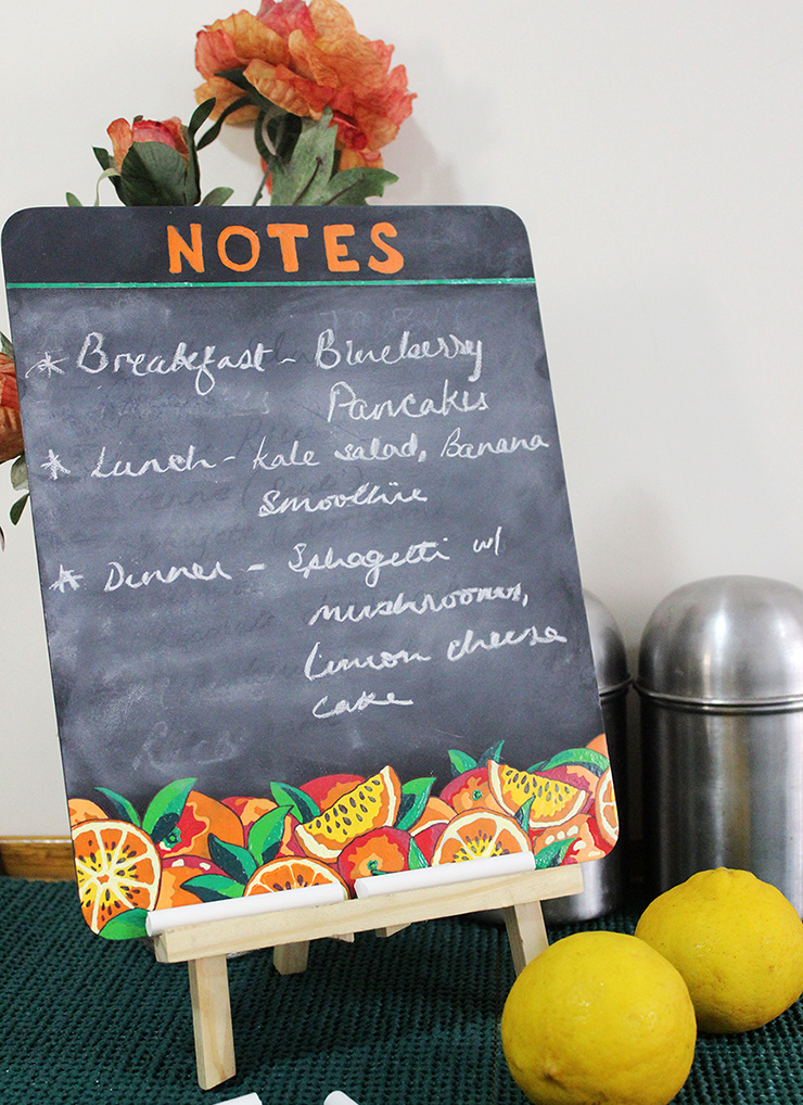 DIY Tutorial for making a customised blackboard for the kitchen by The Craftables
