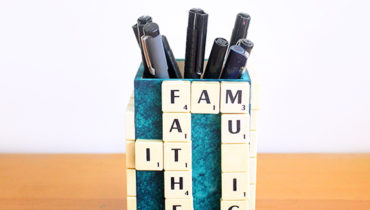 DIY Father's Day Scrabble Stand!