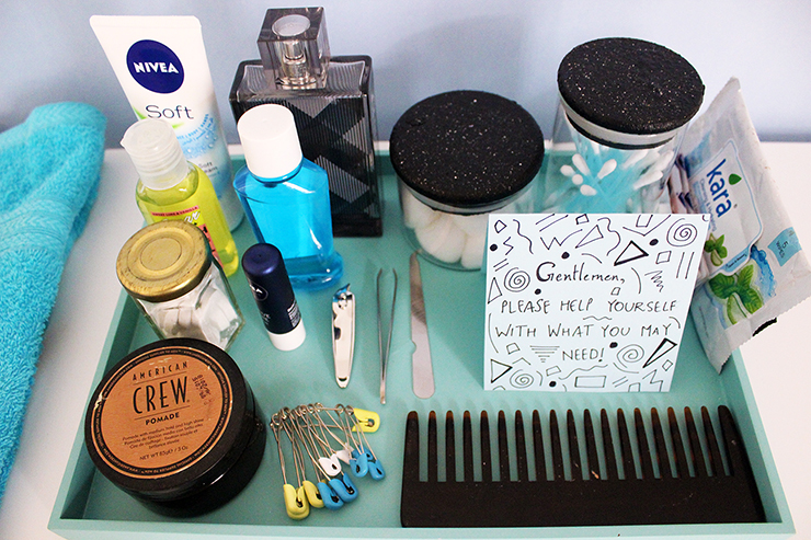Contents of a Emergency Bathroom Kits for Parties for Men by The Craftables