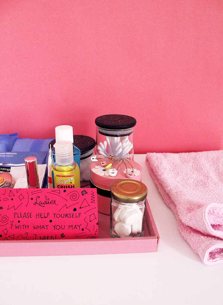 DIY tutorial for parties | Emergency Bathroom Kits for Parties for Women | The Craftables