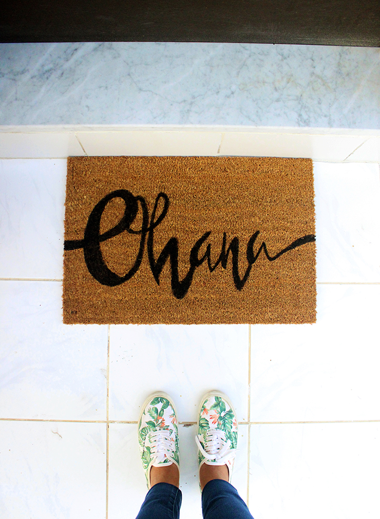 Handmade customised door mats | DIY Persoanlised Welcome Mat | The Craftables