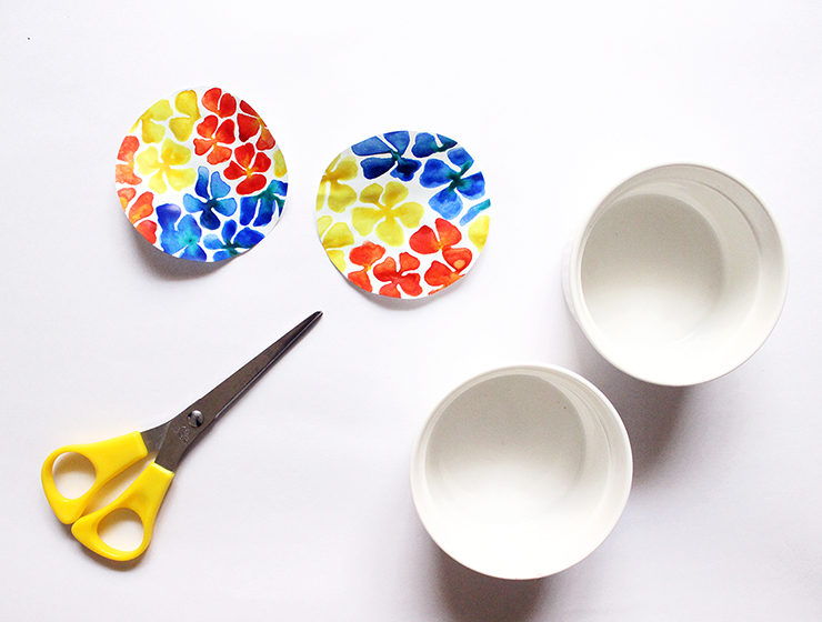 How to upcycle DIY Upcycled Trinket Dishes | The Craftables