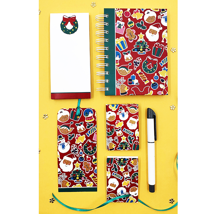 Small Christmassy Stationery Set | The Craftables