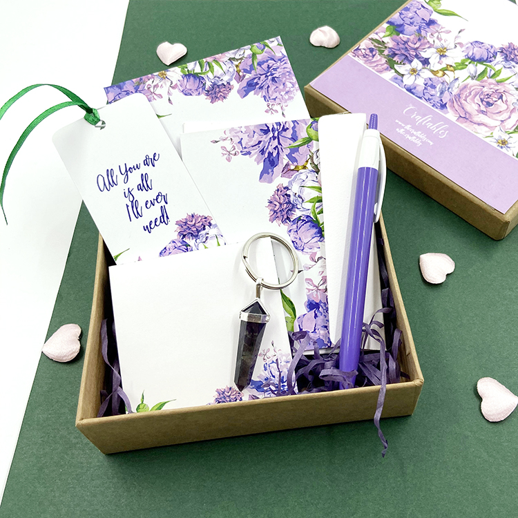 Mauve Bouquet Stationery Gift Set | Valentine's Gift Sets on a budget | The Craftables
